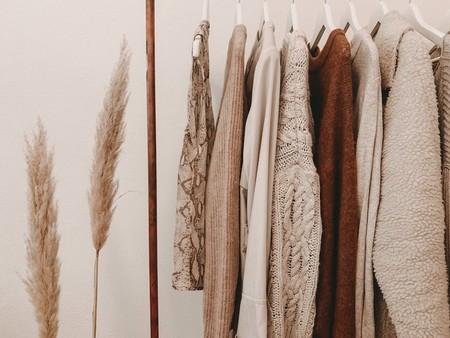 Cómo desinfectar la ropa para evitar el coronavirus según un experto y cuatro planchas de vapor para hacerlo como en las tiendas