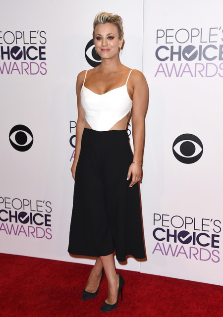 Kaley Cuoco Mono Peoples Choice Awards 2015