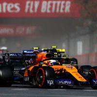 La primavera llegó a la Fórmula 1 en Bakú: mientras McLaren florece, a Ferrari le entra la alergia