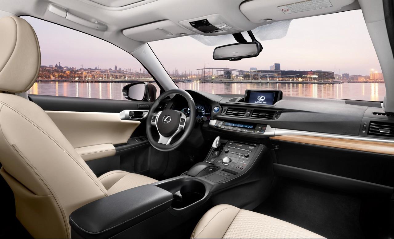 Foto de Lexus CT 200h (151/164)