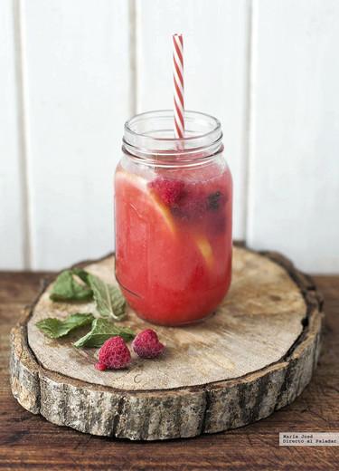 Receta fácil de limonada de frambuesas ¿Quién dijo que tenía sed?