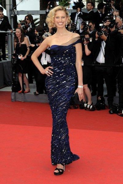 Karolina Kurkova look Cannes