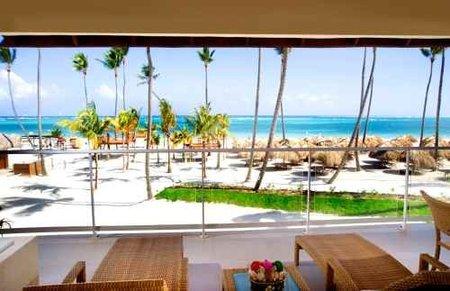Vive el lujo del Caribe desde el Resort NH Royal Beach