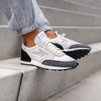 Un cupón de descuento de más de 10 euros nos deja las zapatillas Nike Dbreak-Type por 43,96 euros en Amazon
