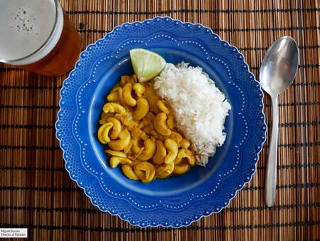 Curry de anacardos al estilo de Sri Lanka: una receta de cuchara fácil, vegana y sin ingredientes raros