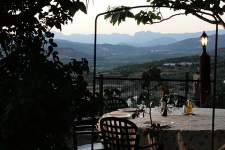 Cinco casas rurales con las que disfrutar de la gastronomía este otoño