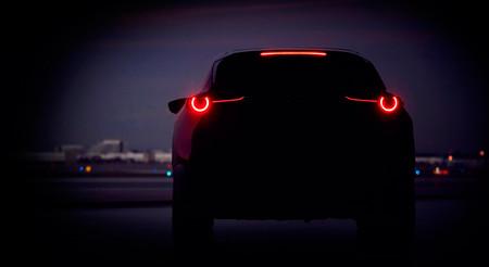 ¿Eres tú, CX-3? Mazda estrenará en Ginebra un nuevo y misterioso SUV compacto, que adelanta con este teaser