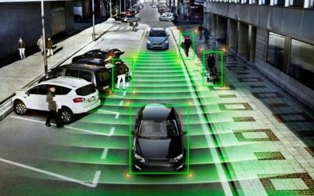 """Reino Unido """"abrirá"""" las calles a los coches autónomos para luchar con Google"""