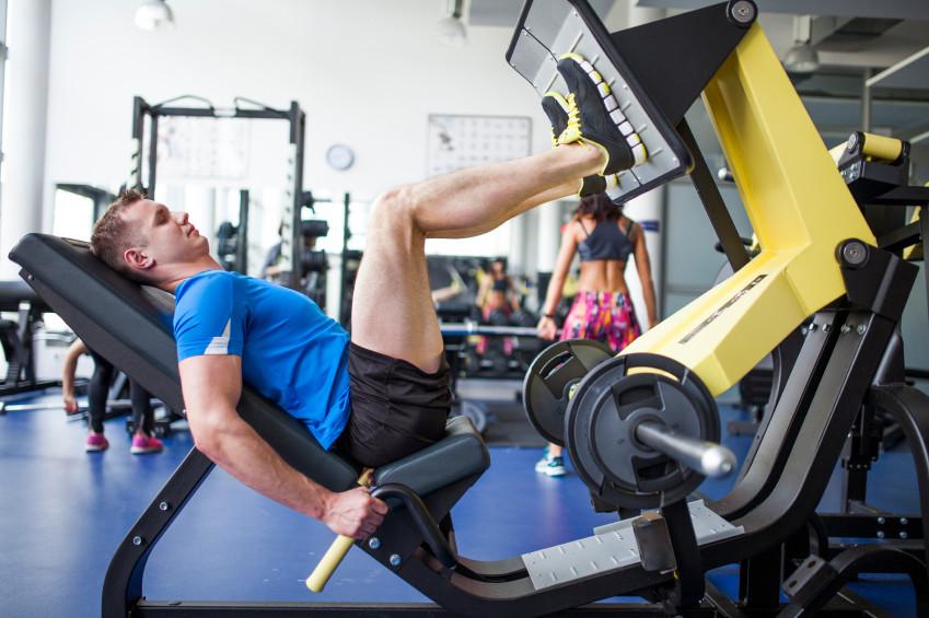 Las mejores m quinas para trabajar piernas en el gimnasio for Gimnasio gimnasio