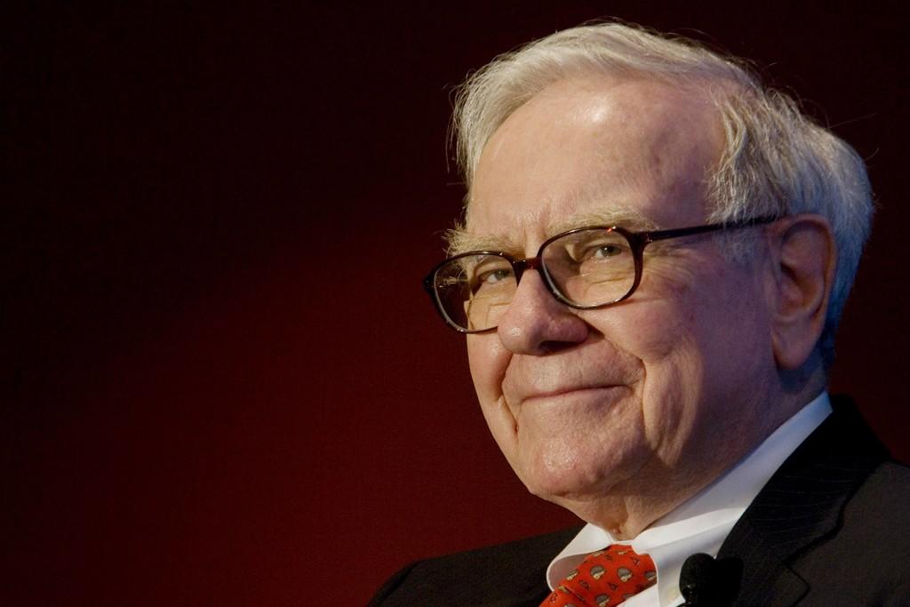 El Wall Street Journal explora el porqué Warren Buffett apuesta tanto por Apple