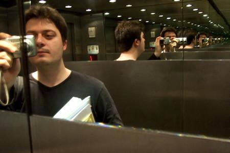 La promo de la novela de Manuel Bartual: ¿turra o genialidad táctica?
