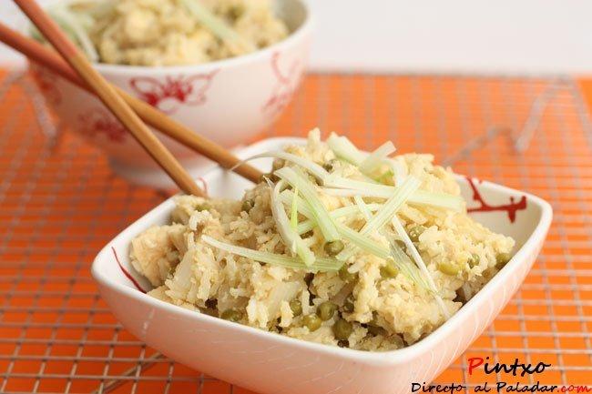 Receta de arroz frito con pollo y huevo