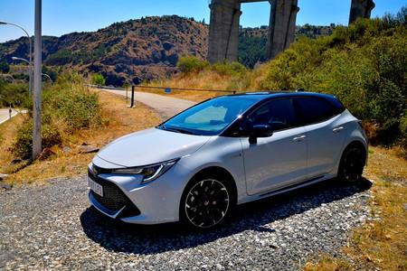 Probamos el Toyota Corolla GR SPORT, con suspensión AVS y un extra de picante