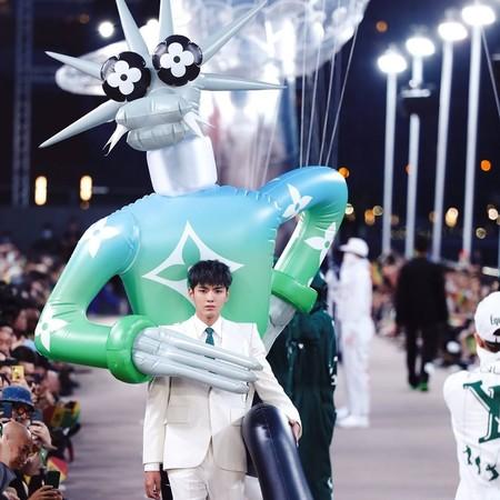 Ni la pandemia detuvo a Louis Vuitton al presentar en China su nueva colección Primavera-Verano 2021