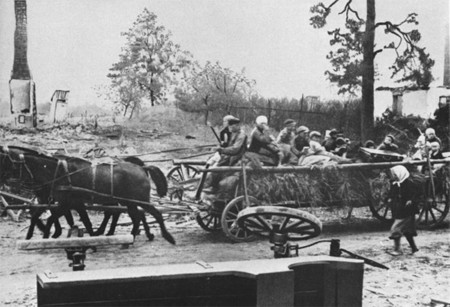 Alemanes Abandonando Polonia