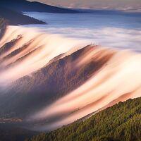 Cascadas de nubes: qué condiciones son necesarias para producir este místico y majestuoso fenómeno atmosférico