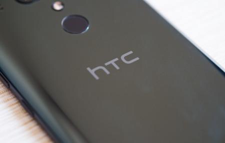 El HTC U19e se filtra y deja ver un gama media con 6 GB de memoria RAM y doble cámara trasera