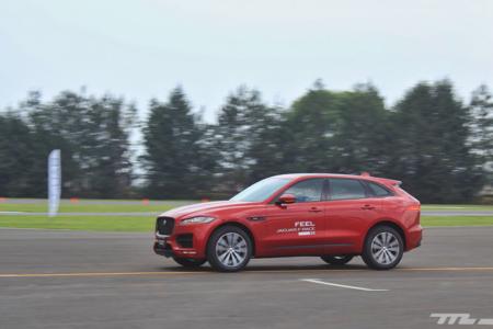 Con unas vueltas en pista nos dimos cuenta que el Jaguar F-Pace quiere ser mejor que los SUV alemanes