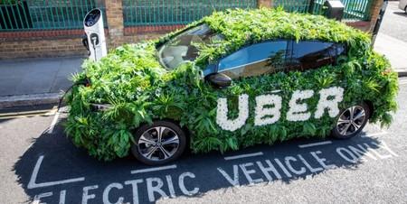 Uber se alía con Renault para conseguir coches eléctricos más baratos: quiere que sus viajes sean cero emisiones
