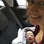 Da a luz en su coche y le pide a la marca por Twitter que le regale uno