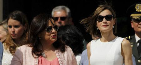 La reina Letizia Ortiz da una clase de estilo de cómo lucir el total look en blanco más minimalista