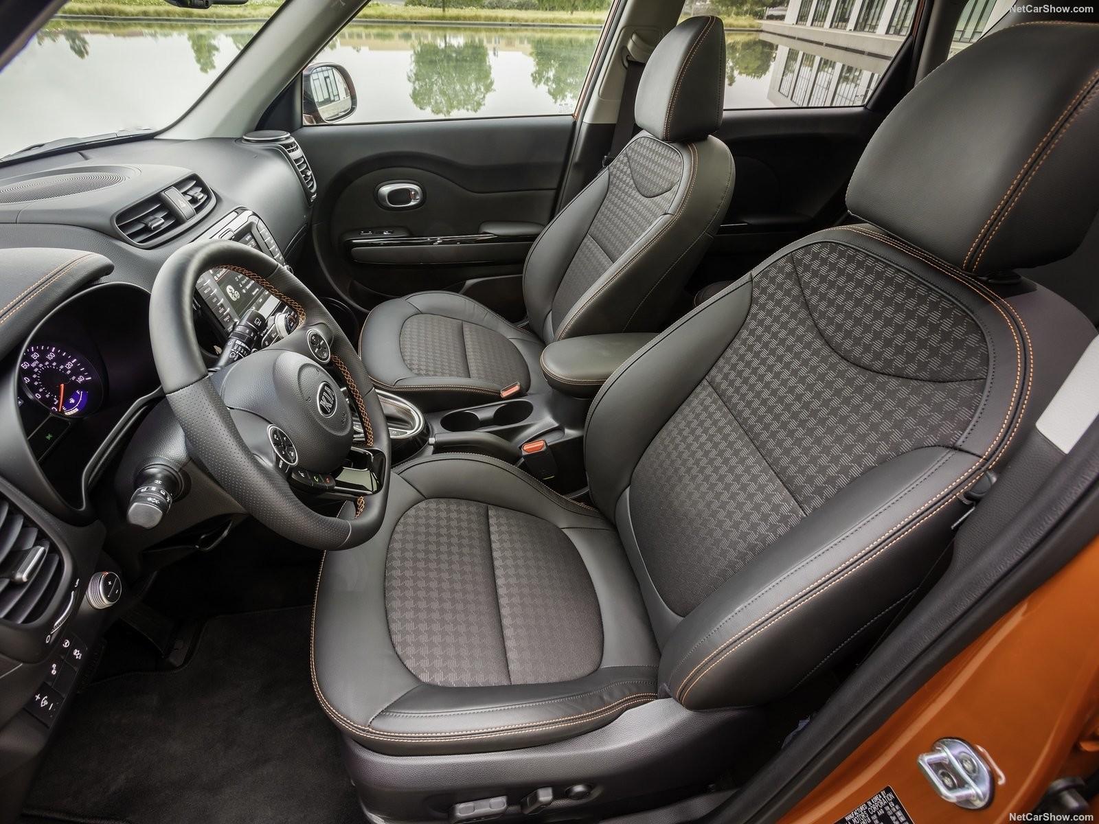 Foto de Análisis comparativo: Kia Soul SX vs Mini Countryman Cooper S (2/20)