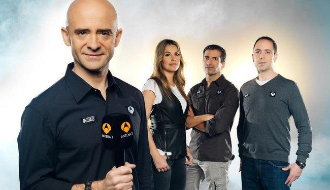 Antonio Lobato y su equipo de Fórmula 1 en Antena 3