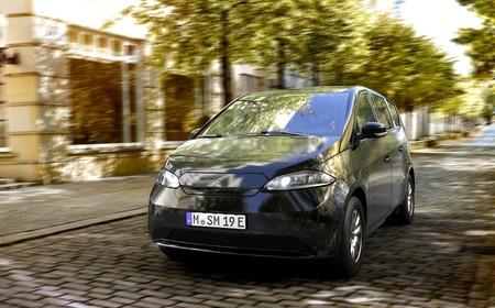 Sono Sion, el coche eléctrico que ofrece 34 km adicionales de autonomía solo con la luz del sol, por 25.500 euros