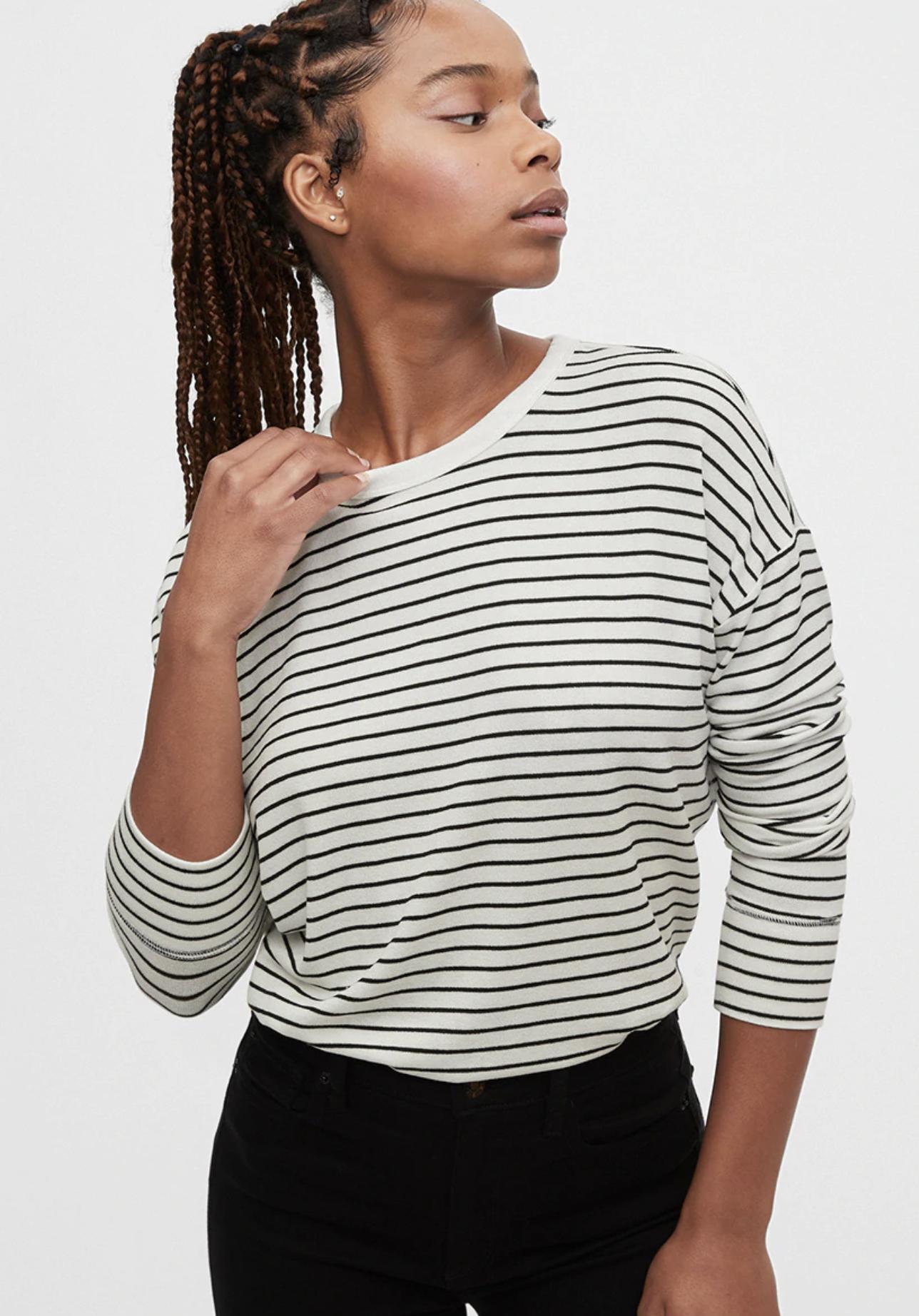 Jersey de mujer de rayas con escote barco