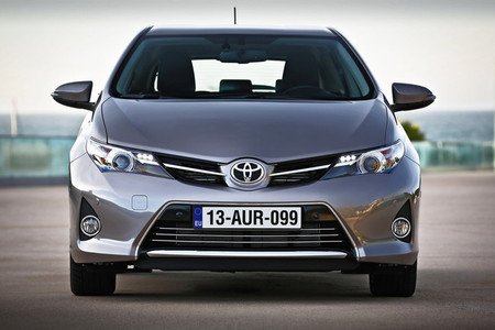 Toyota Auris 2013 frontal