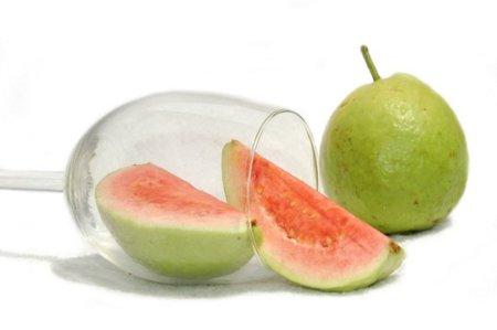 La guayaba: 6 veces más vitamina C que la naranja