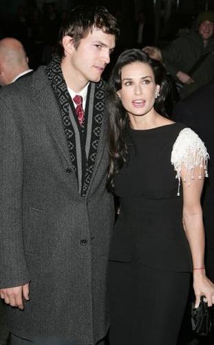 Demi Moore y Aston Kutcher en la premier de Flawless