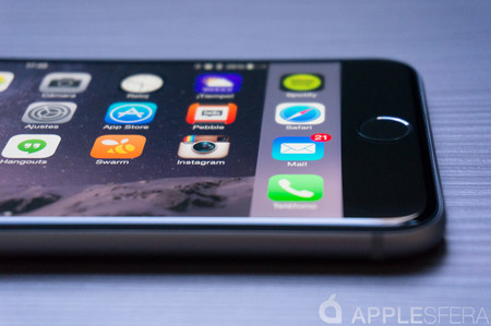 Apple reduce el precio de un cambio de batería a 29 dólares y promete transparencia en iOS