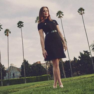 La cineasta americana Liz Goldwyn pone su armario a la venta: Versace, Dior y Chanel para todos