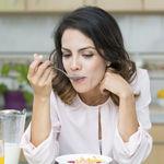 """Cinco """"buenos hábitos"""" que te parecen saludables pero no lo son tanto"""