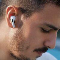 Deja a tus oídos descansar: el uso prolongado de auriculares puede causar problemas con la producción de cera de tu oído