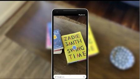 Google Lens (por fin) se integra en la cámara, mejora la selección de textos y te ayuda a comprar ropa