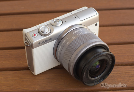 Review Canon Eos 100m 14