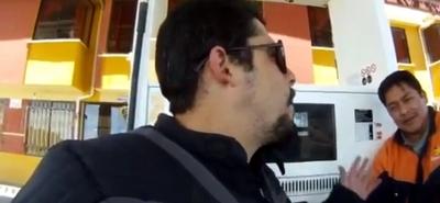 Si repostas gasolina, te cobrarán el doble por ser extranjero
