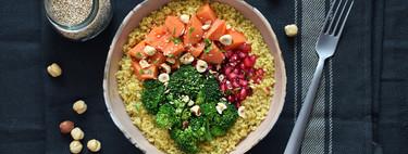 Quinoa con boniato, brócoli, granada y avellanas: receta saludable