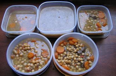 La comida de casa en el comedor del colegio