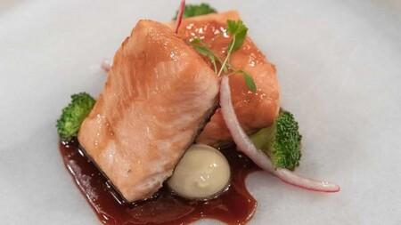Salmon con Esferificaciones