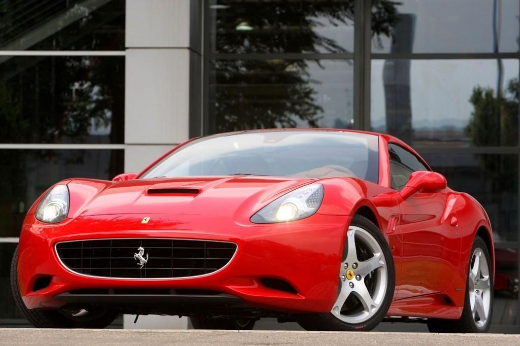 Foto de Ferrari California (17/50)