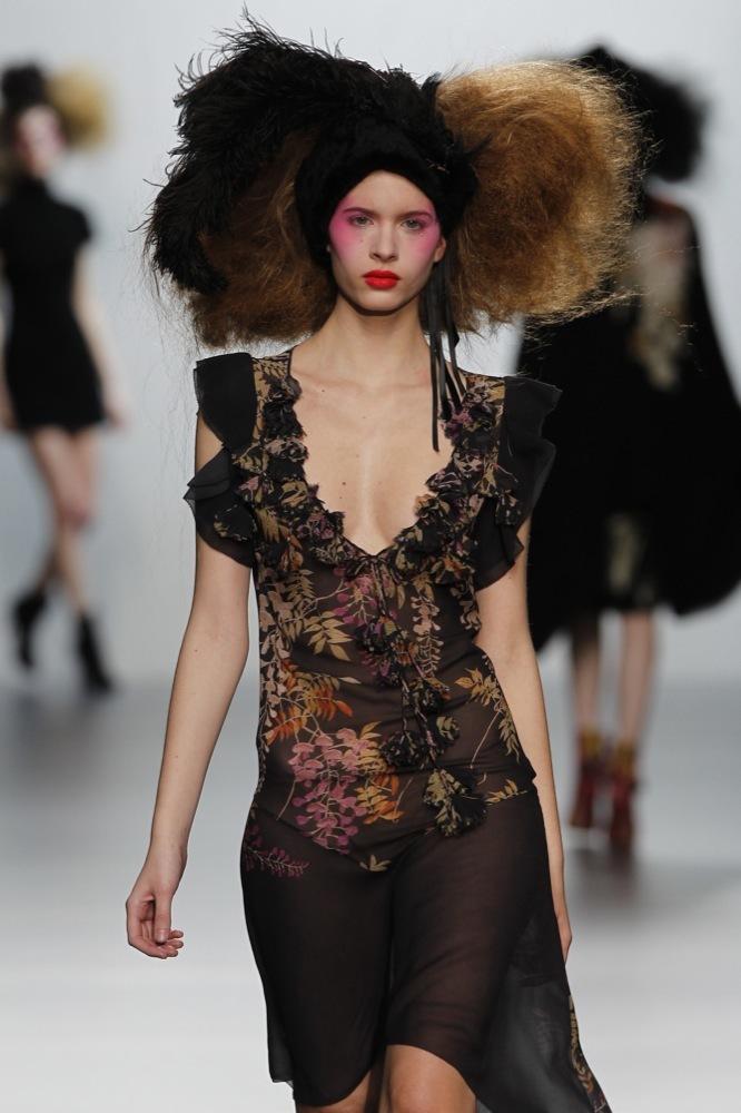 Foto de Elisa Palomino en la Cibeles Madrid Fashion Week Otoño-Invierno 2011/2012 (26/30)