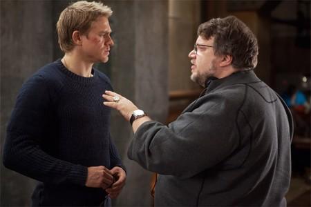 Hunnam y Del Toro en el rodaje de Pacific Rim