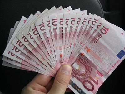 Cheque al portador: Sol se funde 1000 euros en un día