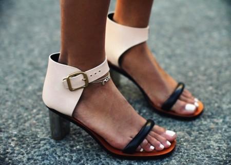 Duelo de estilos: Céline conquista los pies de algunas