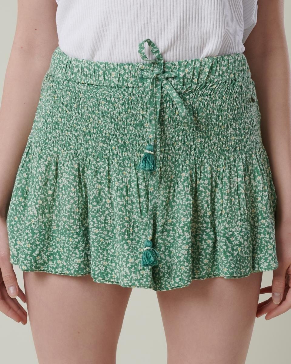 Shorts fluidos con estampado floral de Brownie