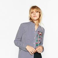 Las razones por las que me empiezan a aburrir las camisas bordadas de Zara. ¿Aprovechamiento del tejido veraniego?