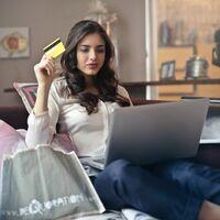 """""""Compra ahora y paga después"""": así se está volviendo adicta la generación Z al endeudamiento online"""